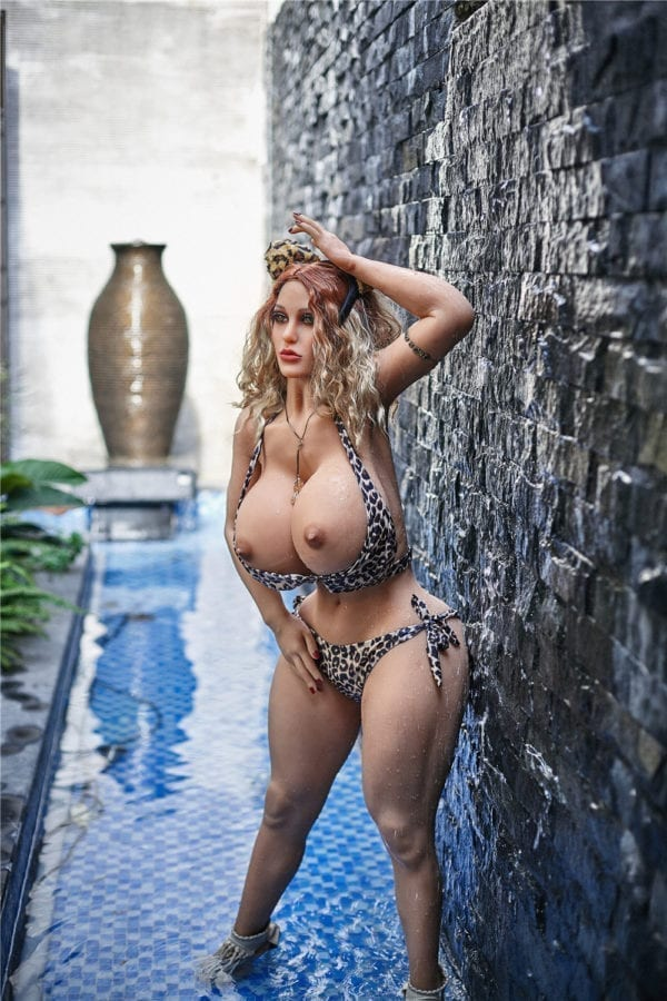 140 cm irontech sex doll maria showing nude boobs from far