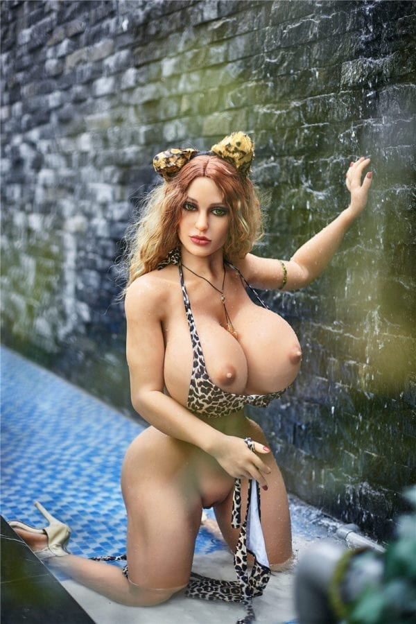 140 cm irontech sex doll maria showing open nipple from far