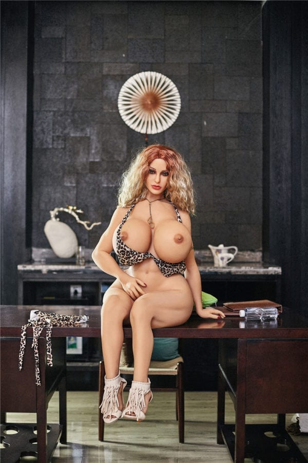140 cm irontech sex doll maria showing nude boobs and pussy from far