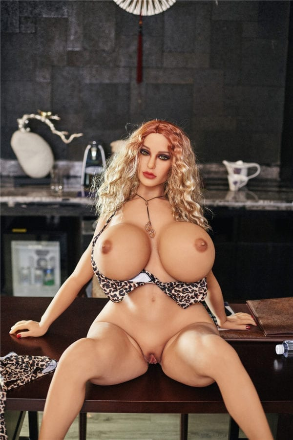 140 cm irontech sex doll maria showing nude boobs and open pussy-1