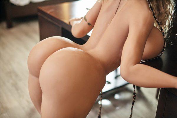 140 cm irontech sex doll maria showing nude hips closeup