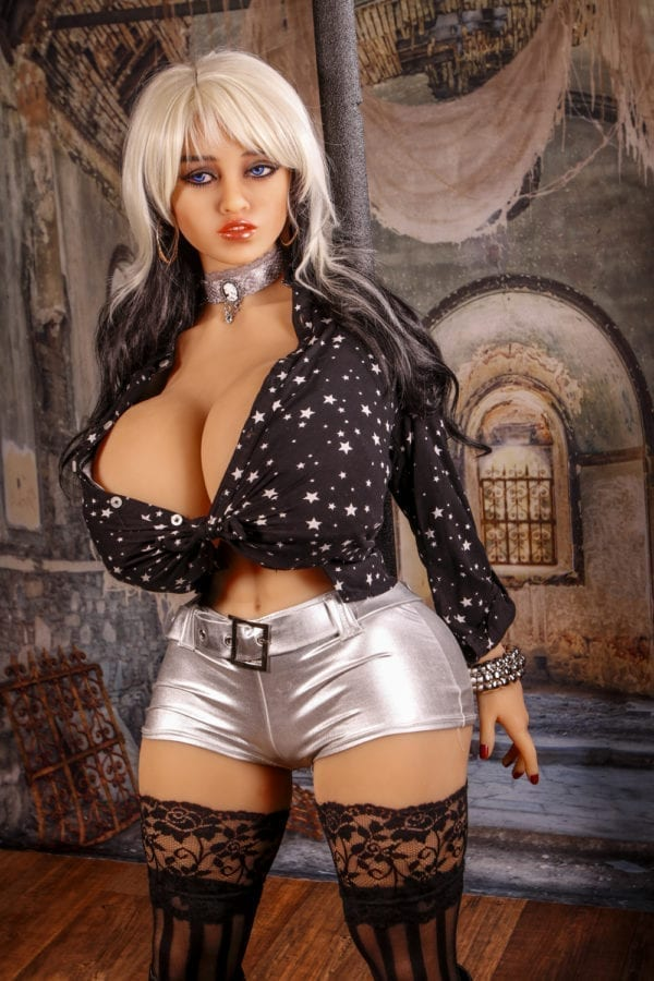 140 cm irontech sex doll victoria showing middle covered body